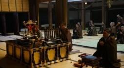 平成28年1月22日(金)16:30より大本山光明寺大殿にて30数名の参加者により御忌別時念仏会が行われました。 導師を伊藤会長、脇導師を小俣・松江両副会長が勤めました。法要中で昨年の別時会より御遷化された神奈川教区諸上 […]