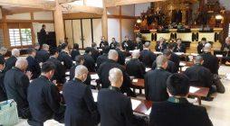 去る4月12日(火)大本山光明寺において、平成28年度浄土宗神奈川教区青年会定期総会が開催され、27年度事業報告、決算報告ならびに28年度事業予定、予算案が承認されました。