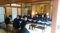 去る4月27日、鎌倉大本山光明寺書院にて平成30年度定期総会が開催されました。平成29年度事業報告、決算報告並びに平成30年度事業予定、予算案が承認されました。 また昨年をもって浄土宗青年会を卒業される先輩方、及び本年よ […]