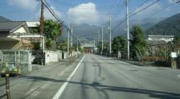 去る10月31日(月)、甲斐善光寺(山梨県)にて「三大本山・関ブロ別時念仏会」が開催され、神奈川浄青からは16名が参加しました。 門前町からの長くまっすぐな参道の先に、山門が見えてきました。 明和五年(1767年)完成 […]