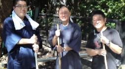 去る平成24年10月4日(木)、鎌倉市の大本山・光明寺様にて十夜前清掃奉仕を行いました。 10月にしてはとても暑い1日でしたが、多くの会員の皆様にご参加を頂き、山門・境内・御廟等 の担当に分かれて清掃を致しました。また、 […]